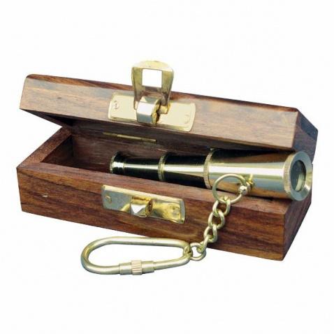 Prívesok na kľúče - ďalekohľad v krabičke