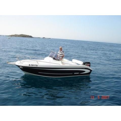 Motorový čln A530 Open New