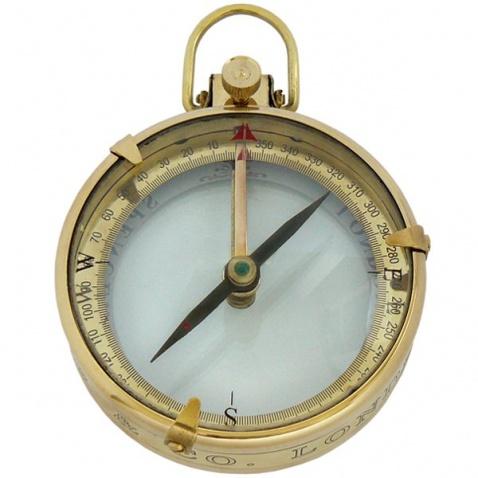 Kompas v drevenej krabičke,priem.9cm