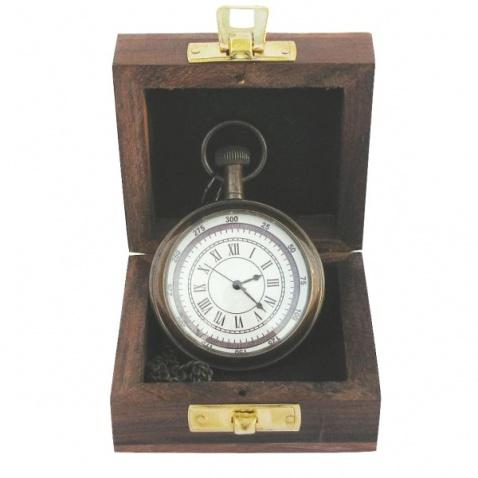 Vreckové hodiny s retiazkou v drevenej krabičke