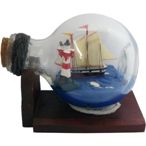 Model lode vo fľaši - plachetnica & maják, dĺžka 10,5cm