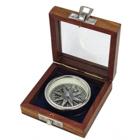 Kompas s 3D růžicou v drevené krabičke, chrom, pr. 5,5cm, v.1,4cm
